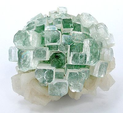 3221 Камінь, Апофіліт