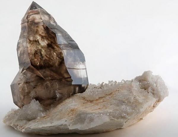 3383 Камінь, Димчастий кварц
