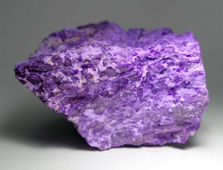 3473 Камінь, Сугіліт