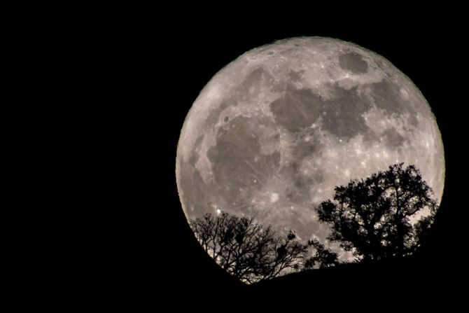 3921 Повний місяць 2 жовтня 2020 року в Овні: що не можна робити в цей день